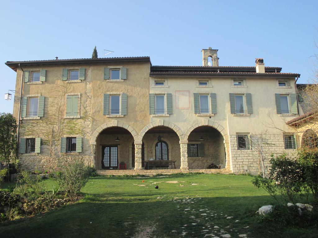 Verona montecchio casa padronale costruita dalla for Piani casa padronale