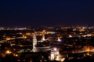 Verona panoramica notturna