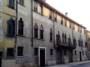 VERONA - Palazzo adiacente a Palazzo Bom Brenzoni in Via XX Settembre 1