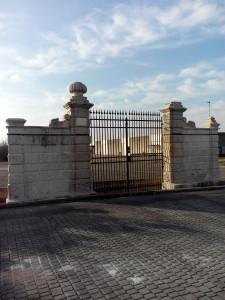 Caldierino di Caldiero (VR) - Cancello della tenuta di Villa Trezza-Zenobio